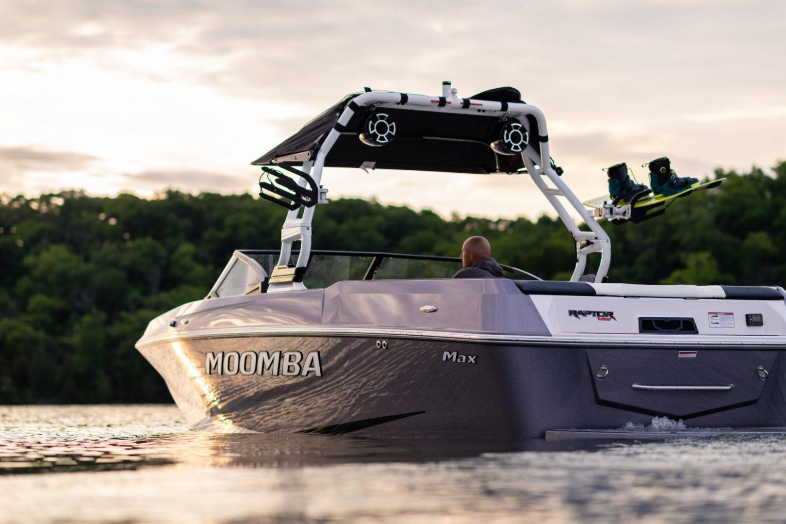 Moomba Max Wakeboat