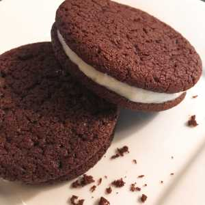 Chocolate Sandwich Cookie (per lb)