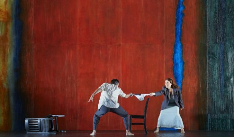 Phillip Addis as Tancredi and Krisztina Szabó as Clorinda in the Canadian Opera Company's world premiere production of Pyramus and Thisbe (with Lamento d'Arianna and Il combattimento di Tancredi e Clorinda), 2015. Conductor Johannes Debus, Director Christopher Alden, Set Designer Paul Steinberg, Costume Designer Terese Wadden, and Lighting Designer JAX Messenger. Photo: Michael Cooper Michael Cooper Photographic Office- 416-466-4474 Mobile- 416-938-7558 66 Coleridge Ave. Toronto, ON M4C 4H5