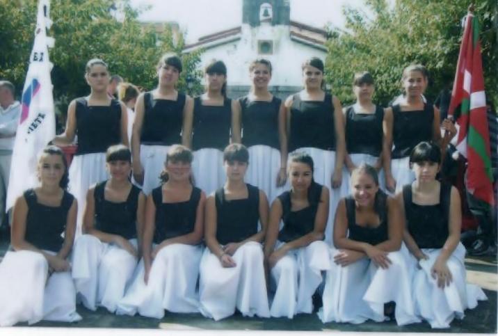Nun hago. Grupo de danza Egape.