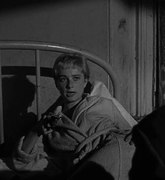 El Beso Mortal. Kiss me Deadly. Robert Aldrich, 1955. Gaby Rodgers, la inocente -o no- testigo.