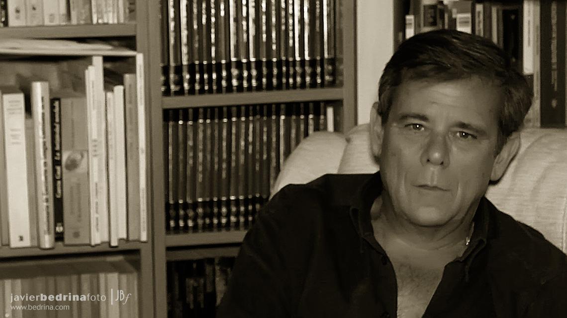 Muñecas de Cristal. Entrevista exclusiva con Antonio Gómez Rufo.