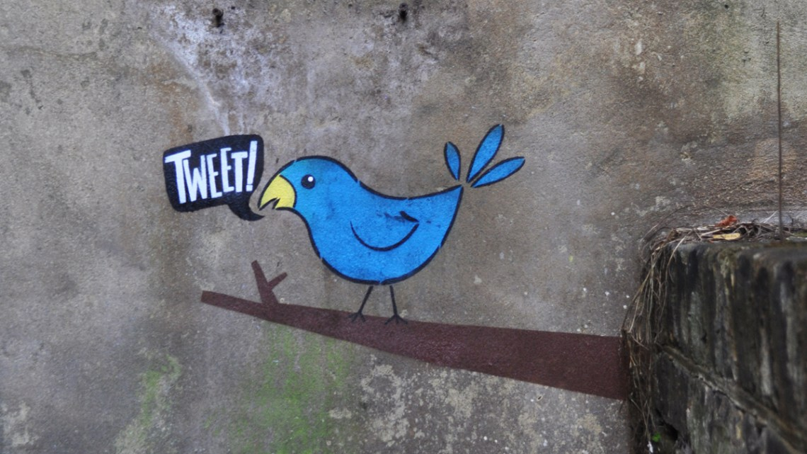 Cómo escribir tweets efectivos. Algunos consejos para vencer cada vez que te enfrentes a los 140 caracteres de Twiter.