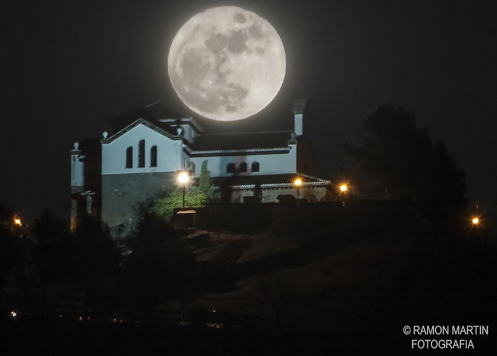 Luna_llena_Granada_Ramon_Martin
