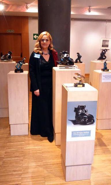Tan importante es hacer pan como escultura en estos tiempos. Entrevista a Ana Benegas con motivo de su exposición de escultura en Grito de Mujer. Mavi Gómez para MoonMagazine.