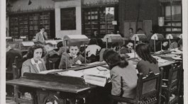 Antonia Gutiérrez Bueno y Ángela García Rives, pioneras en el acceso de las mujeres en las bibliotecas españolas. Artículo de Paola Lotti para Revista MoonMagazine y Revista Caffè Book.