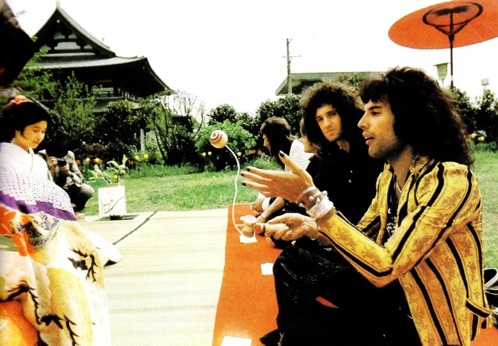 Freddie Mercury y Queen. Primeros pasos en la música 5