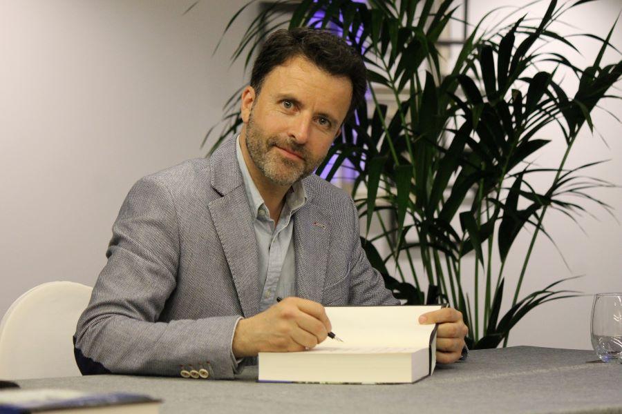 Entrevista a José Luis Gil Soto, autor deMadera de savia azul 1