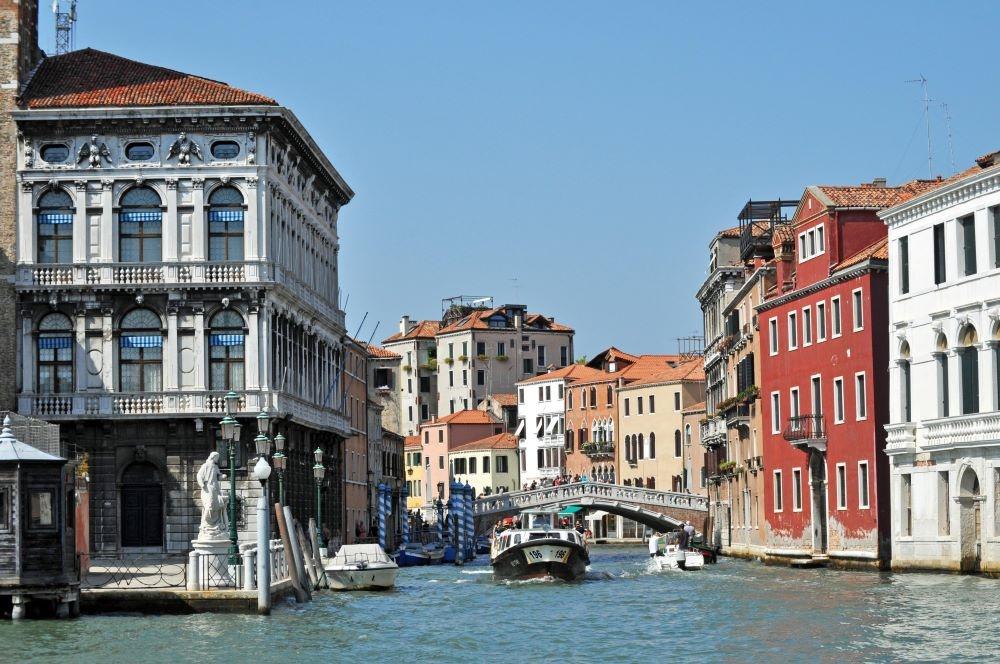 Obsesión en Venecia. Reseña de la novela y entrevista con Amalia Hoya, su autora