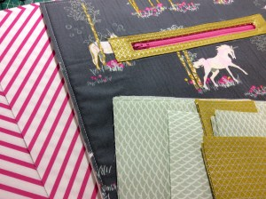 Fantasia art gallery fabrics sew sweetness sara lawson tudor bag in progress medium fabrics