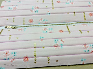 Quilted Cube Case Moore Approved Top Gusset fabric Brambleberry Ridge Pink Roses Gold Zipper Quilted Straight Lines