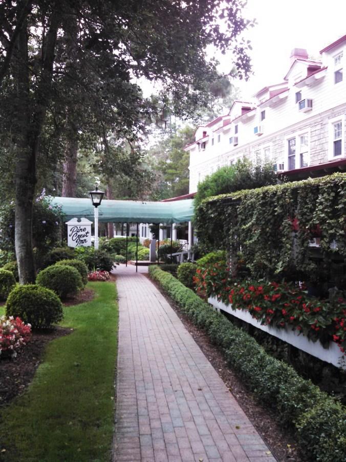 Pine Crest Inn entryway