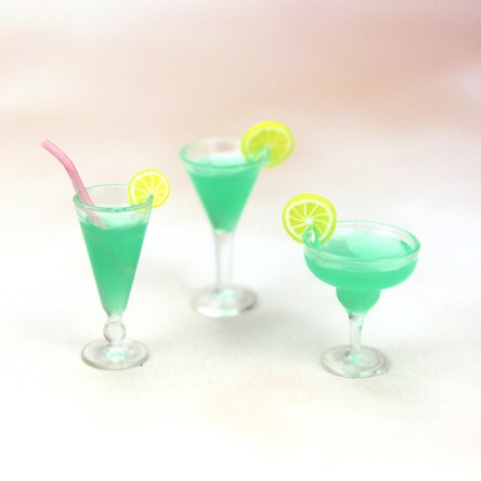 1:12 Miniature Resin Dollhouse Cocktail Crafting Accessory