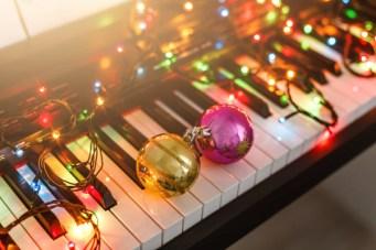 Piano Christmas Carols