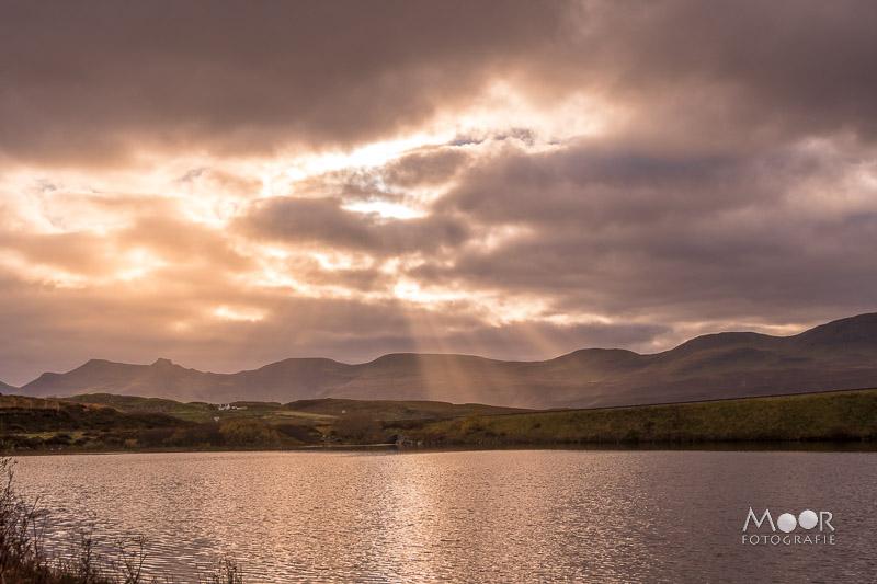 Woordloze Woensdag Magisch Licht op Loch Mealt Skye