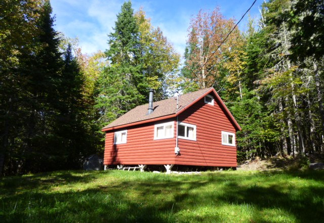 Maine Highlands Log Cabin