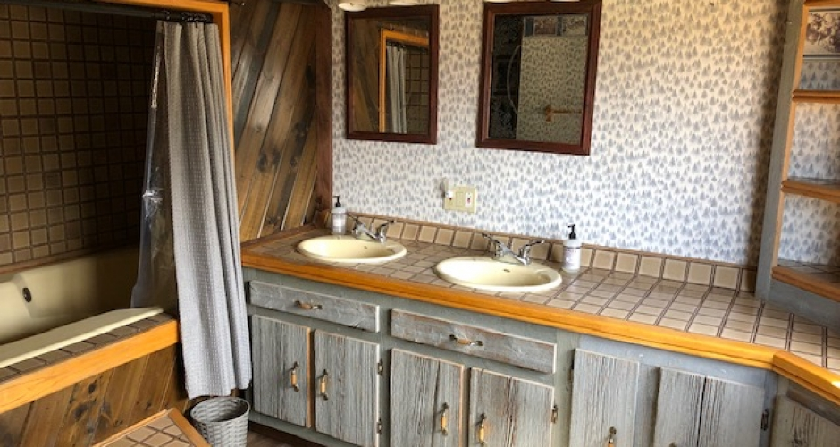 Large Bathroom at Lodge at Moosehead, Rockwood