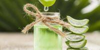 Combattre l'acnée avec le gel d'aloe vera et le curcuma