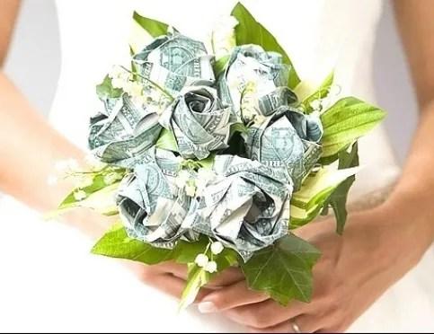 Маленький скромный подарок: как оригинально подарить деньги