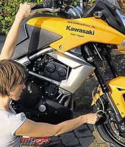Kawasaki-Versys-Bleeding-brakes