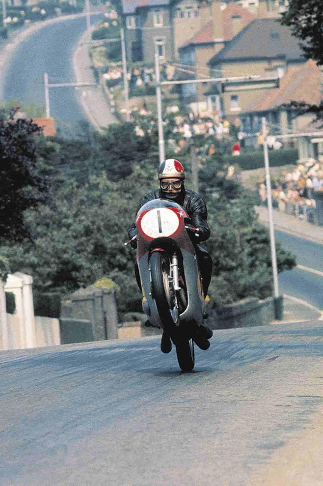 004_Scottish-Show-Giacomo-Agostini---Ago's-Leap