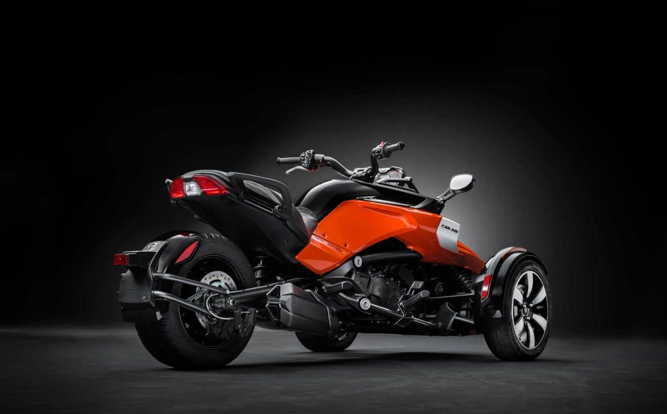 2015-Can-Am-Spyder-F3-004