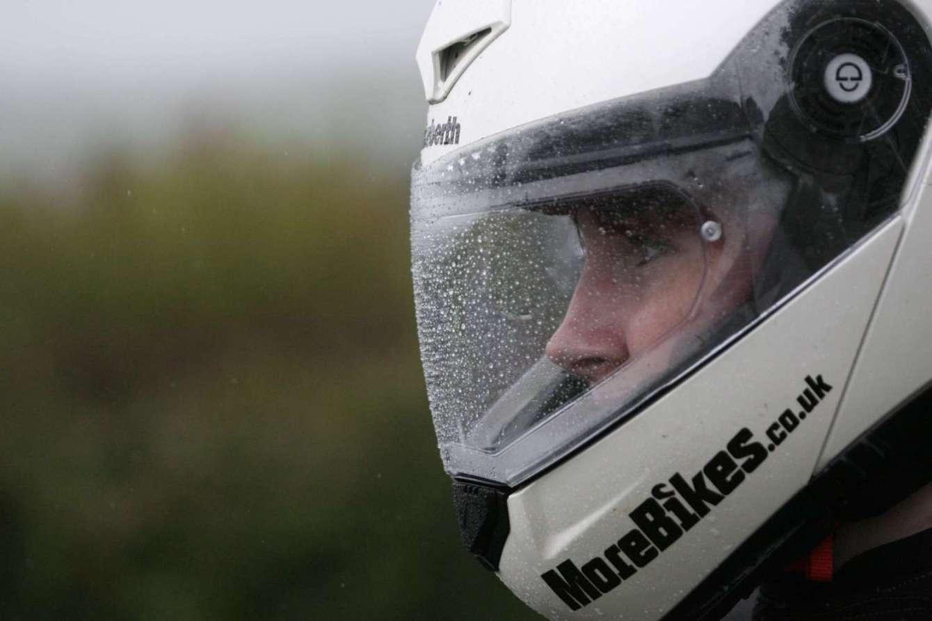 Pinlock in helmet