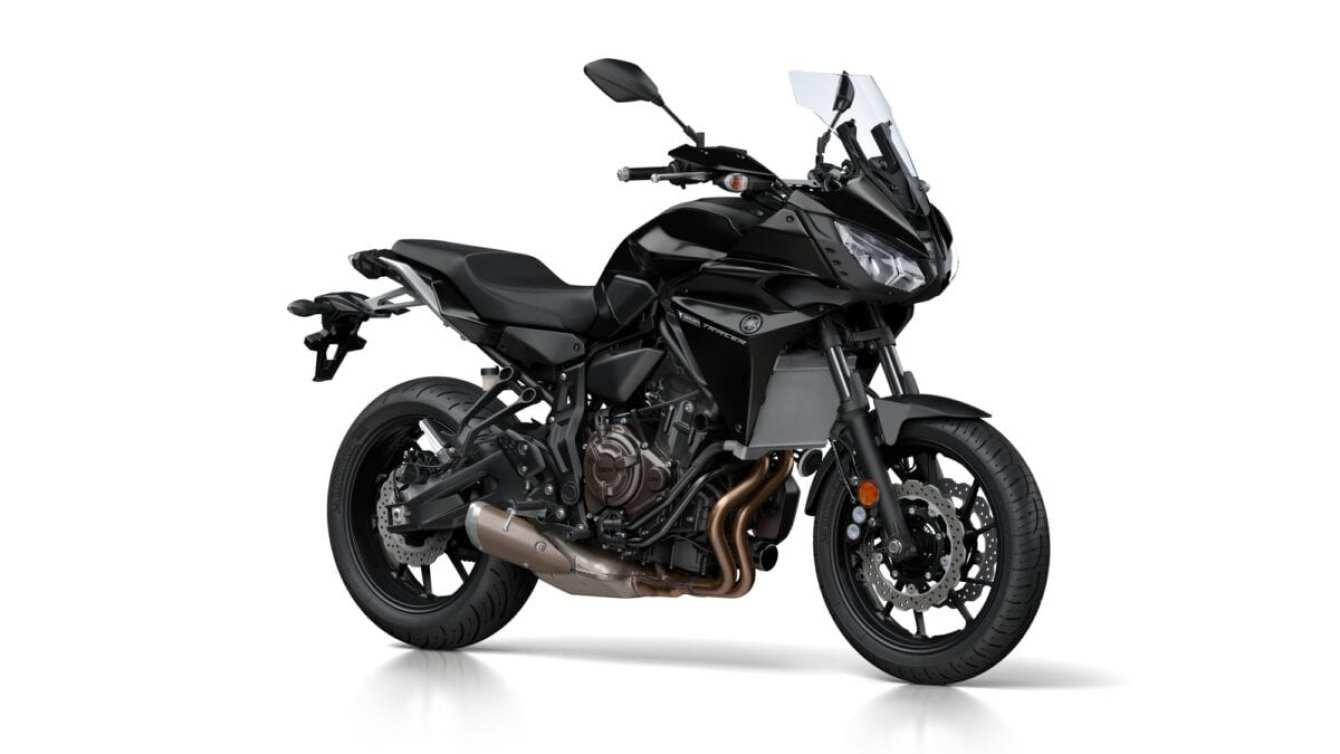 2016-Yamaha-MT07TR-EU-Tech-Black-Studio-001