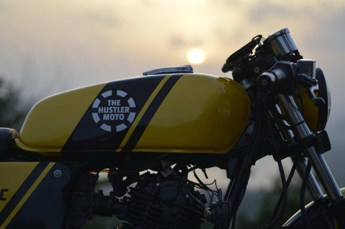 custom-cafe-racer-by-hustler-moto-bajaj-pulsar-150-11