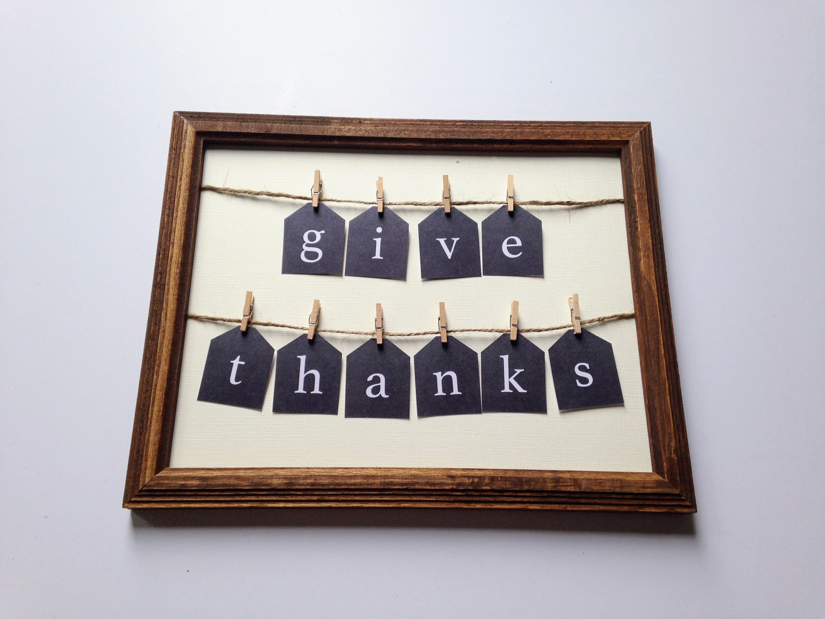"""""""Give Thanks"""" Sign"""