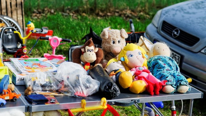 saving money with car boot sales