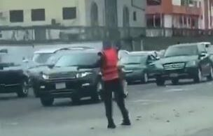 Lovely Video Of Policeman Filmed Dancing Leg Work While Controlling Traffic