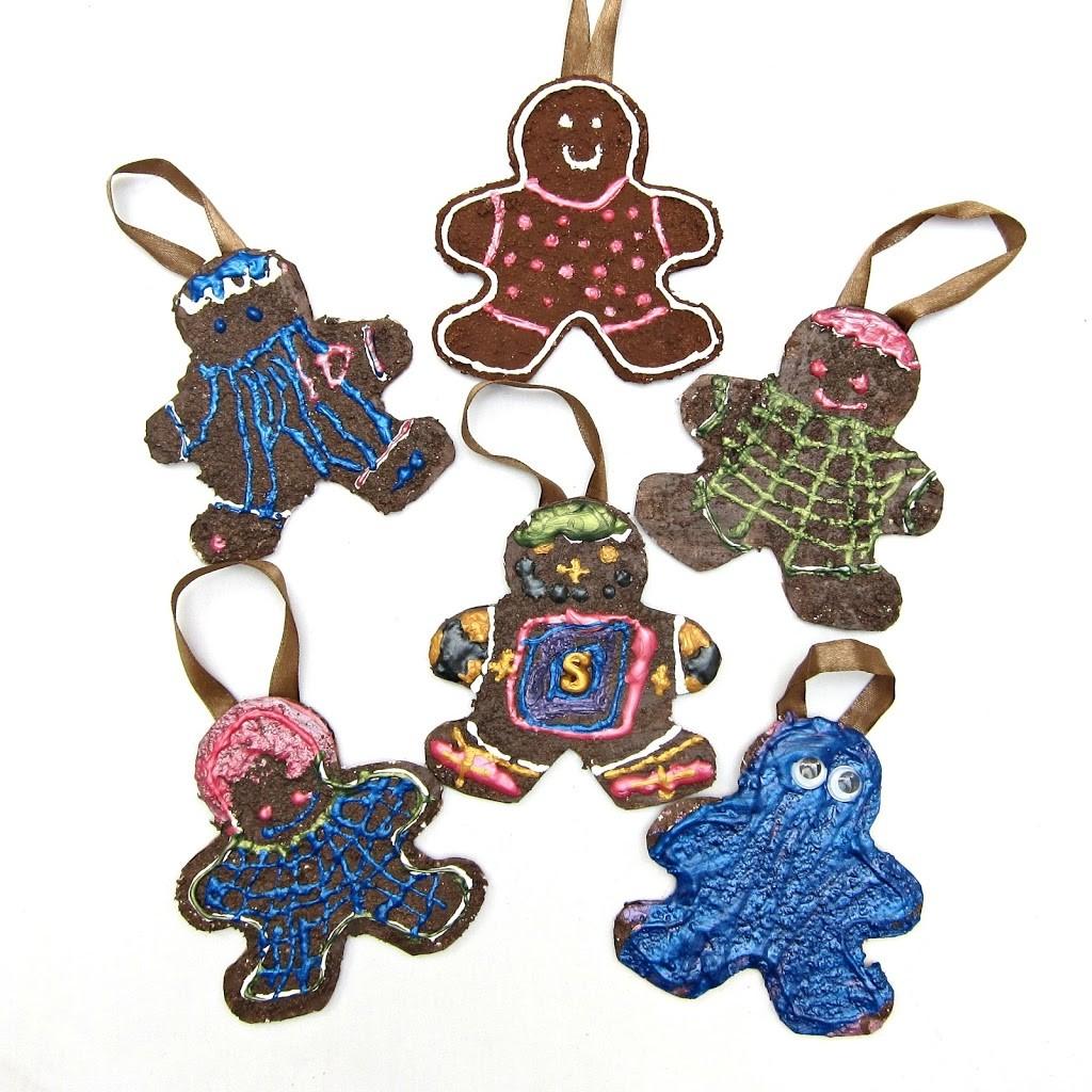 DIY Family of Gingerbread Men Ornaments - Morena's Corner