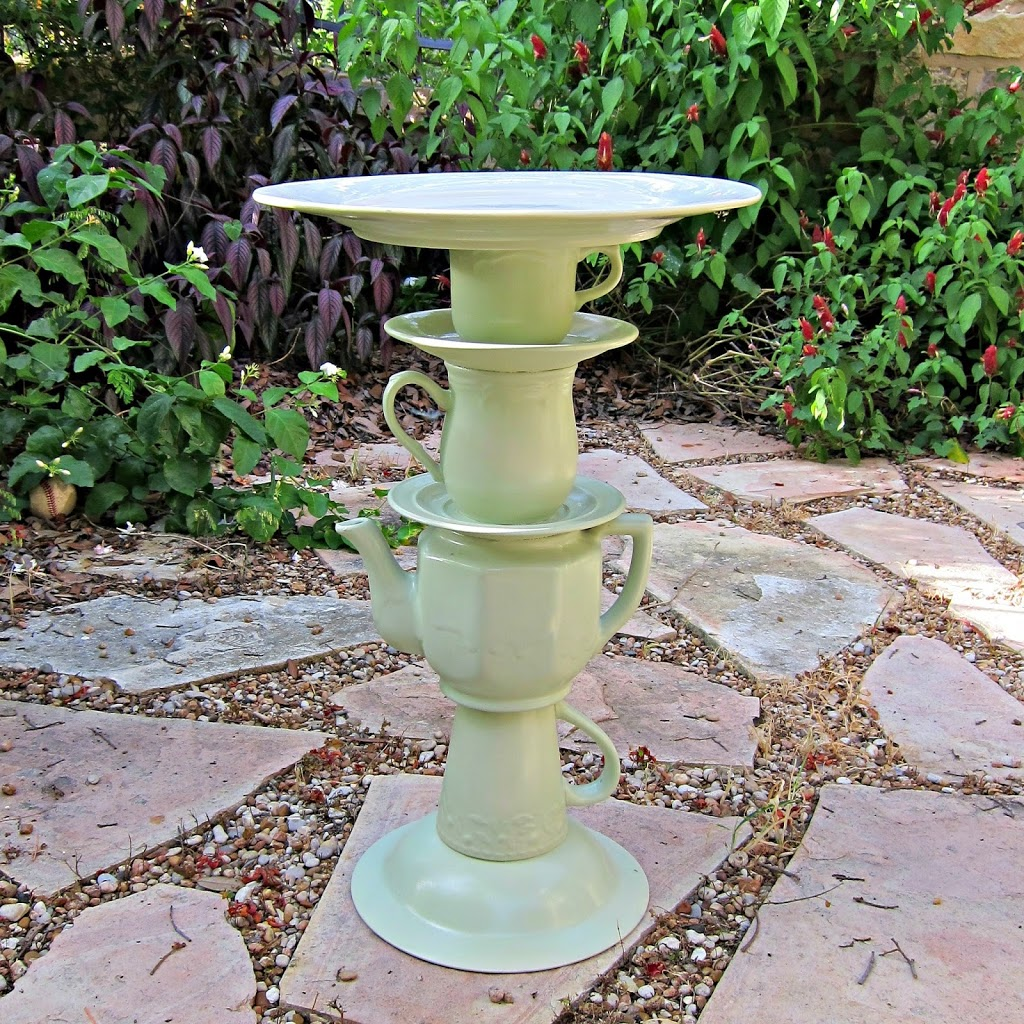 DIY Terracotta Bird Bath Planter - Do-It-Yourself Fun Ideas