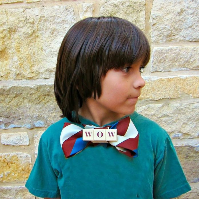 Bow-tie-with-words