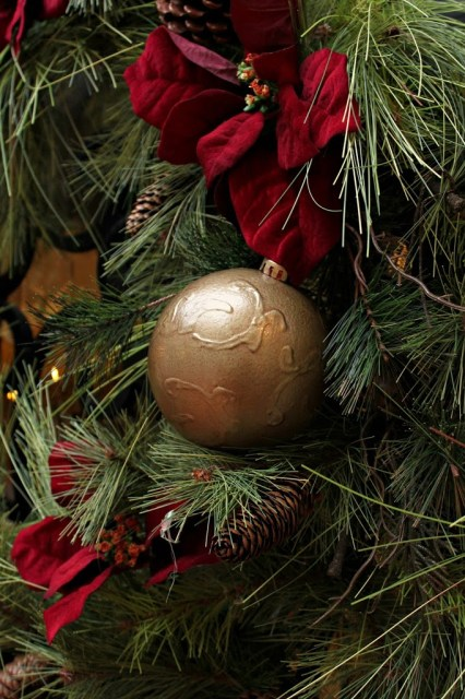 Turn a dollar ornament into a designer inspired piece of Christmas faux bronze ornament
