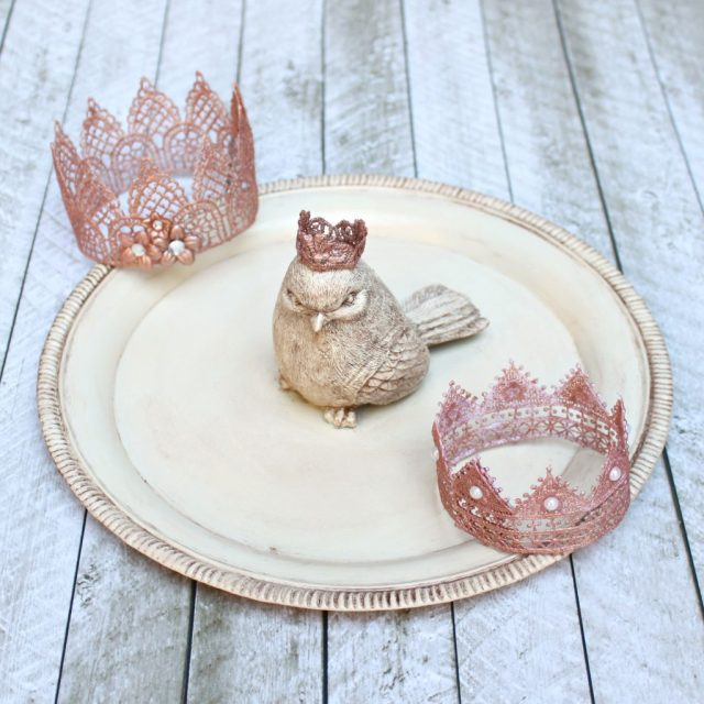 Learn how to make lace crowns and how to give them a beautiful metallic finish.