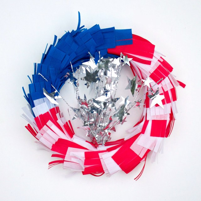 This quick project is quick and easy to make thanks to non-fraying Oly-Fun fabric! Make an American flag wreath to decorate your home this fourth of July!