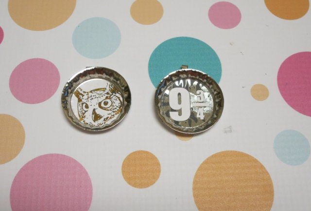 Make Harry Potter Bottlecap Pendants - Free Printable