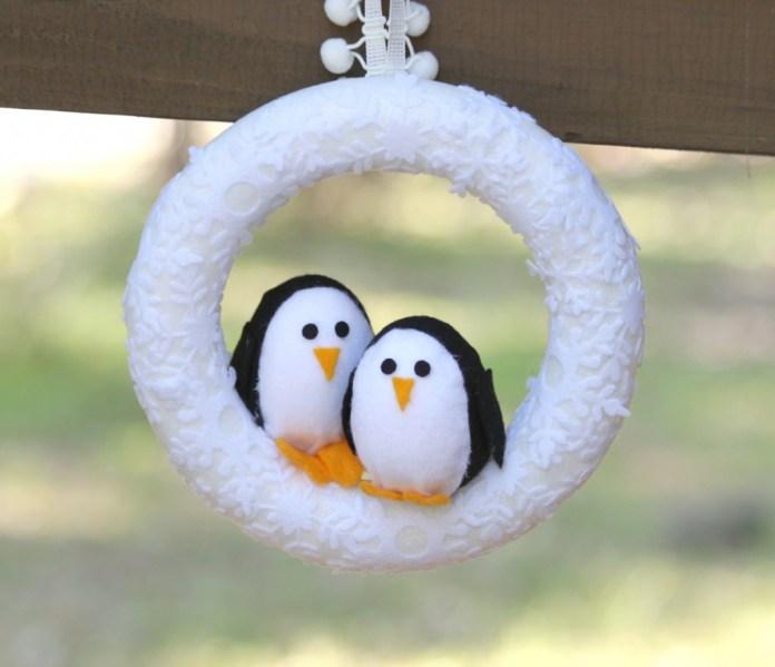 diy penguin wreath