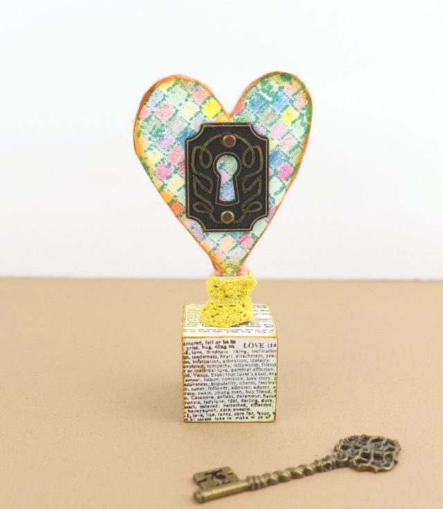 "Today I'm sharing a ""key to my heart"" decor DIY idea that would make a thoughful gift."
