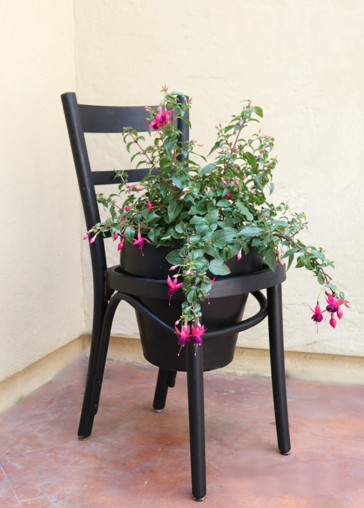 Make a terra cotta pot chair planter in a jiffy.