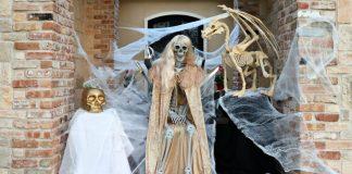Game of Thrones Halloween Porch Decor