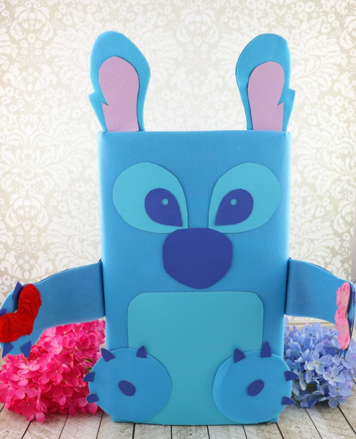 stitch valentine holder