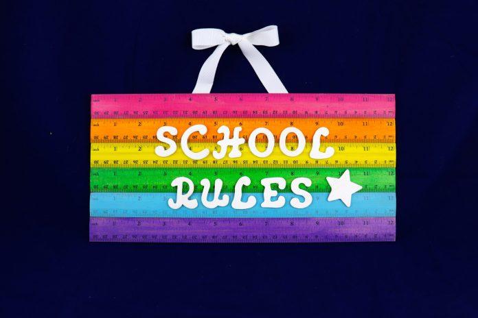 school rules sign