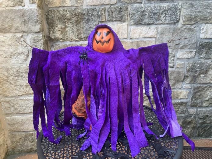Spooky Scarecrow Decor Tutorial
