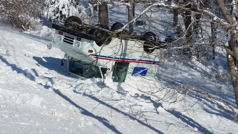 usps-truck-crash