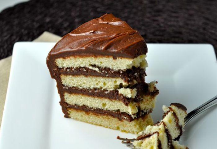 Classic Vanilla Cake With Chocolate Frosting More Sweets Please