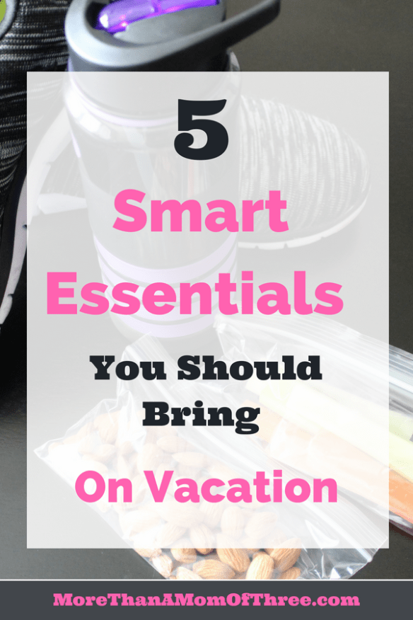 5 smart essentials while traveling
