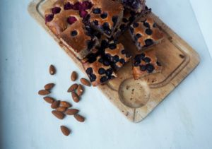 almond and berry cake